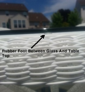 Table Glass with rubber feet installed