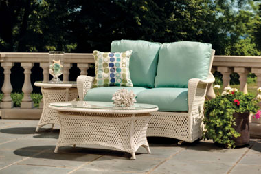How To Care For Outdoor Patio Cushions, Can Outdoor Seat Cushions Get Wet